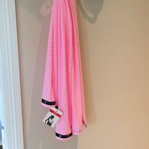 Lululemon Pink and White Scarf
